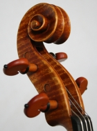 viola 16\'  40.4cm in Brescian style scroll-threequarter-view